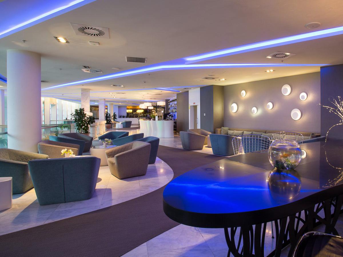 ayre_hotel_oviedo_arturo_alvarez_guau_aros_lamp