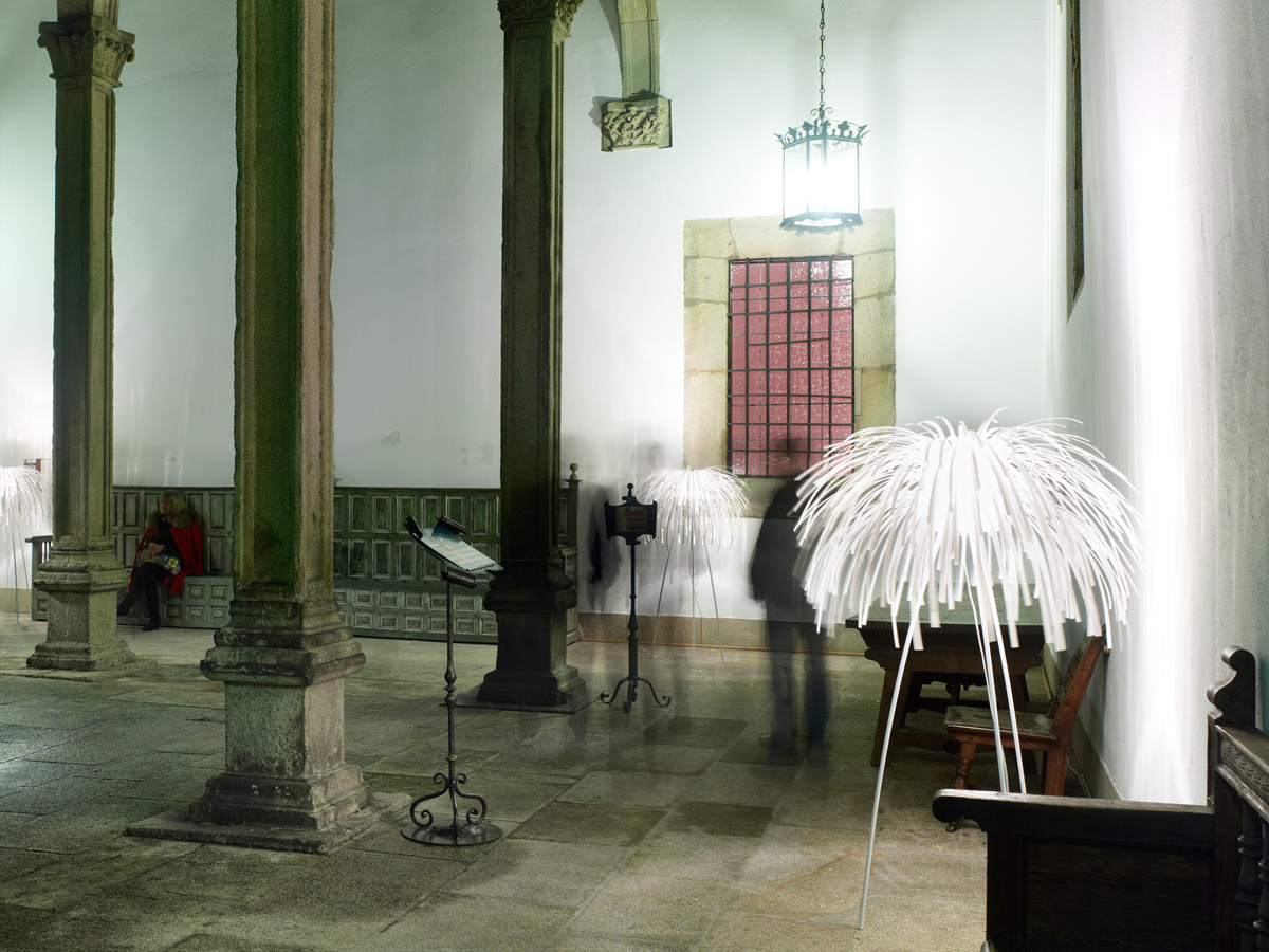arturo-alvarez-projects-hostal-reyes-católicos-santiago-de-compostela-tina-floor-lamp-01