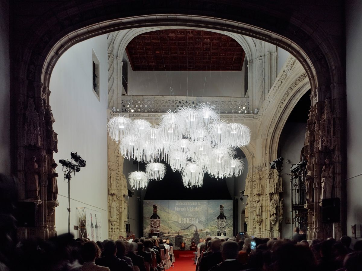 arturo-alvarez-projects-hostal-reyes-católicos-santiago-de-compostela-tina-pendant-lamp-05