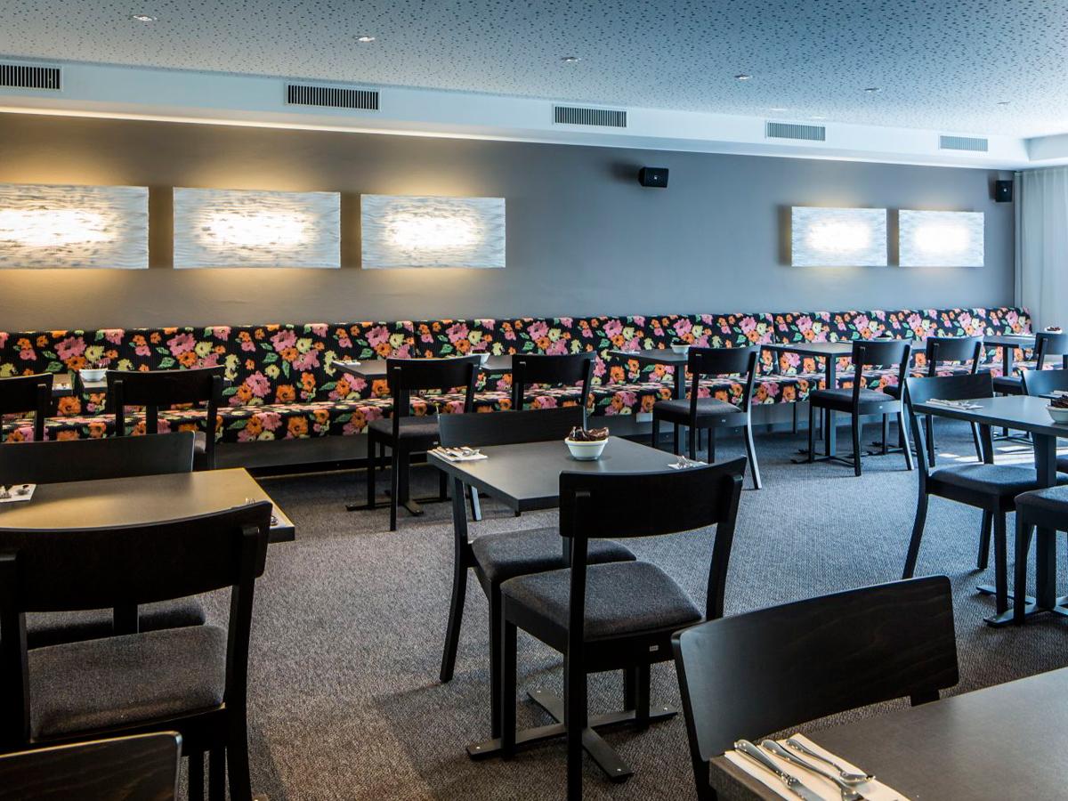arturo-alvarez-projects-hotel-visp-visperhof-switzerland-planum-wall-lamp-01
