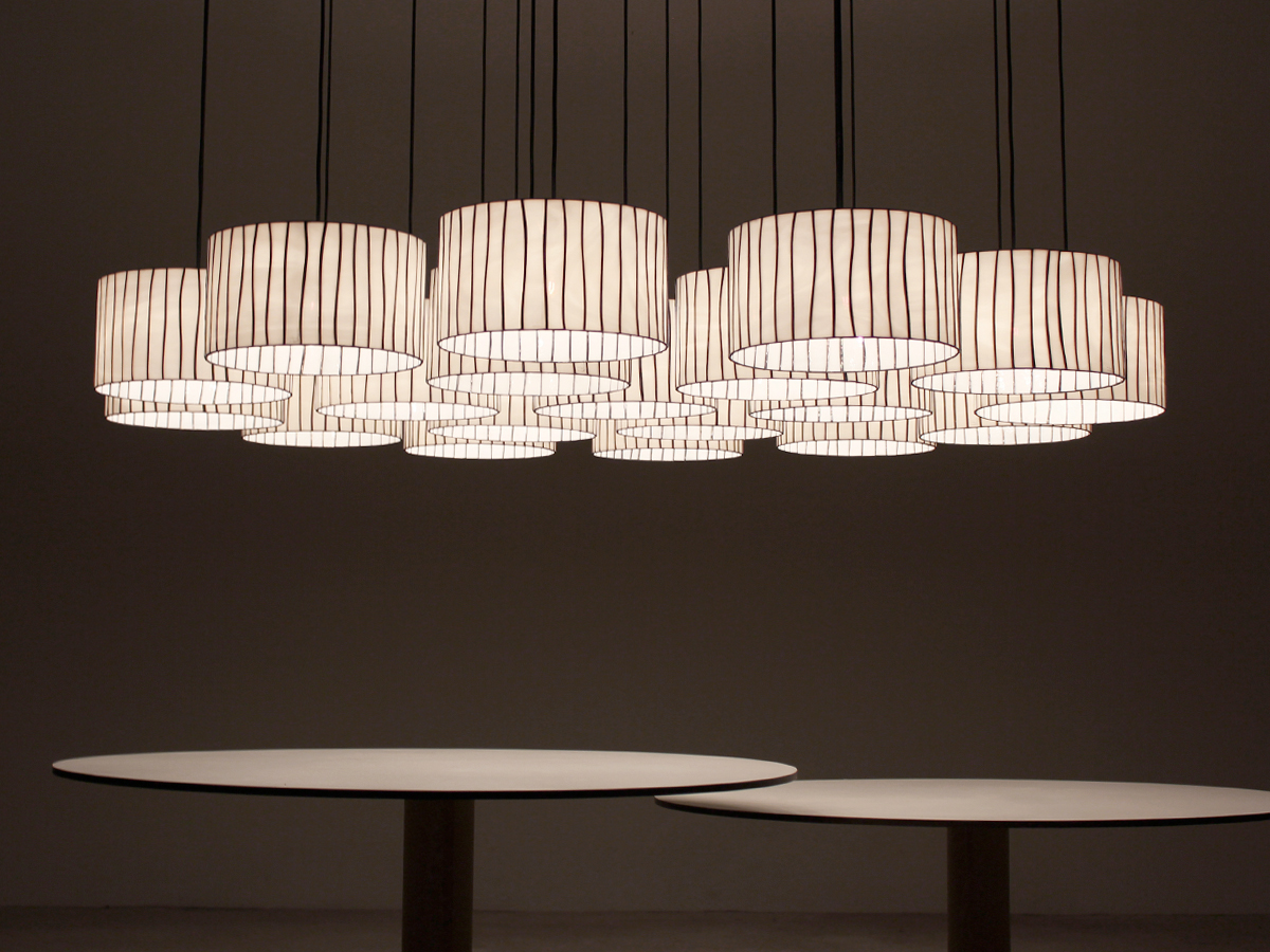 arturo-alvarez-projects-installation-spain-curvas-pendant-lamp-02