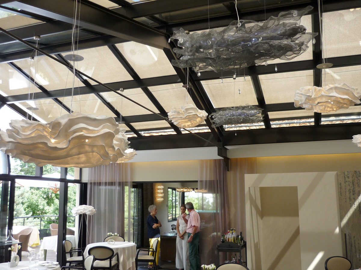 arturo-alvarez-projects-l´amphitrion-restaurant-Toulouse-nevo-pendant-lamp-05