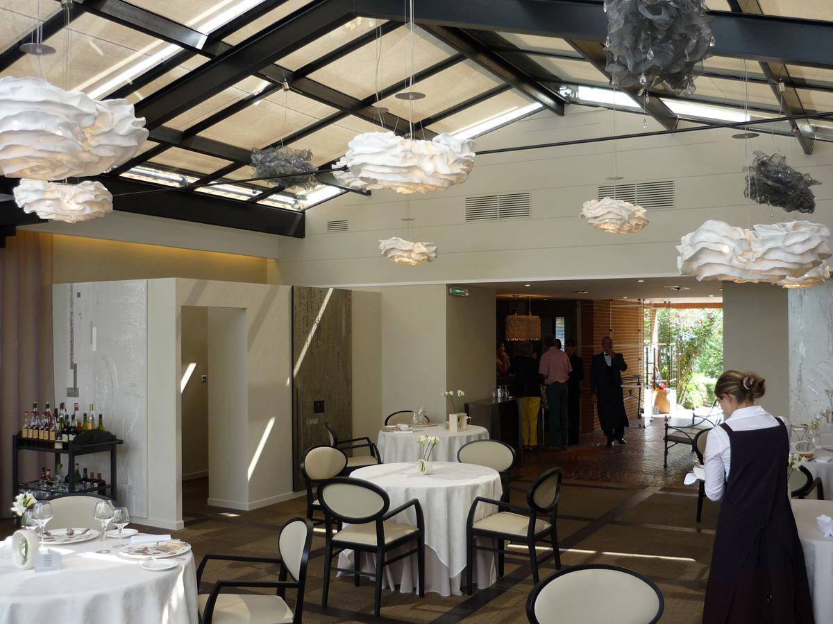 arturo-alvarez-projects-l´amphitrion-restaurant-Toulouse-nevo-pendant-lamp-06