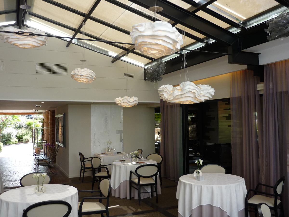 arturo-alvarez-projects-l´amphitrion-restaurant-Toulouse-nevo-pendant-lamp-07