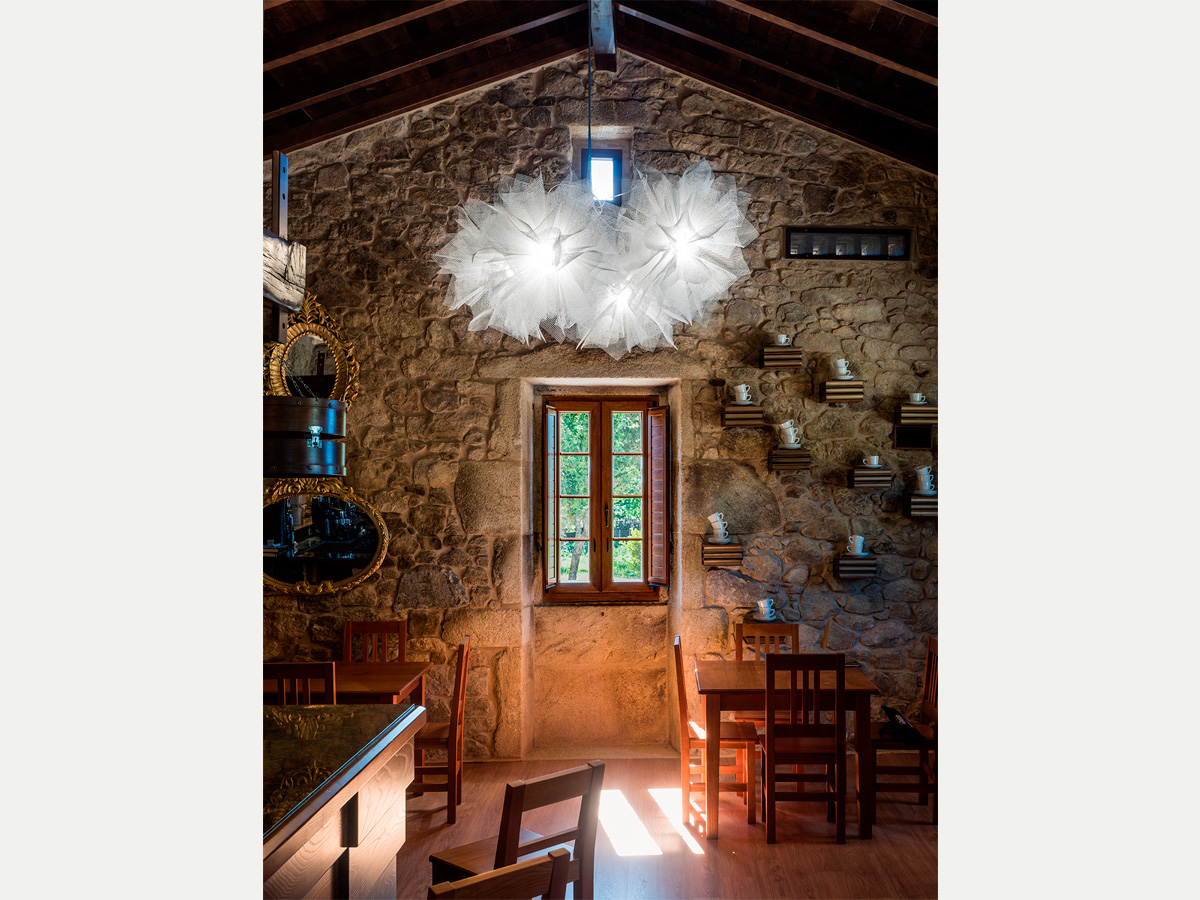 arturo alvarez project Restaurante Porta do Sol de Lamela Galicia Fluo Pendant Lamp 02
