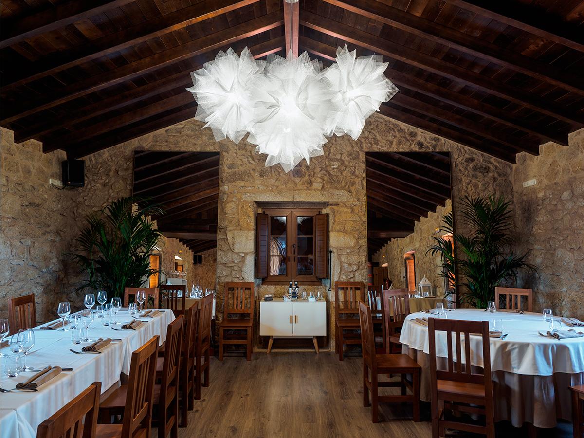arturo alvarez project Restaurante Porta do Sol de Lamela Galicia Fluo Pendant Lamp 03